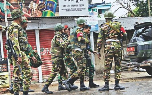 সেনাবাহিনীর দাবি, 'এলাকাটা ঝুঁকিপূর্ণ হয়ে গেছে'