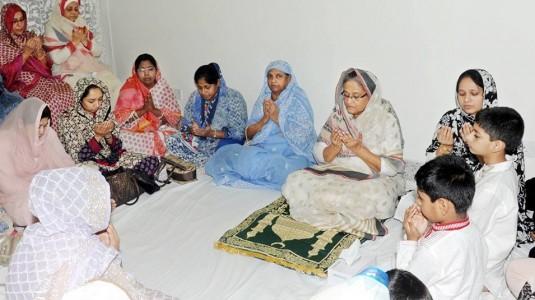 ওয়াজেদ মিয়ার মৃত্যুবার্ষিকীর মিলাদ মাহফিলে প্রধানমন্ত্রী