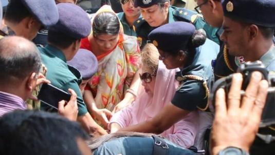 খালেদা জিয়ার স্বাস্থ্য সম্পর্কে চিকিৎসকরা যা জানাচ্ছেন