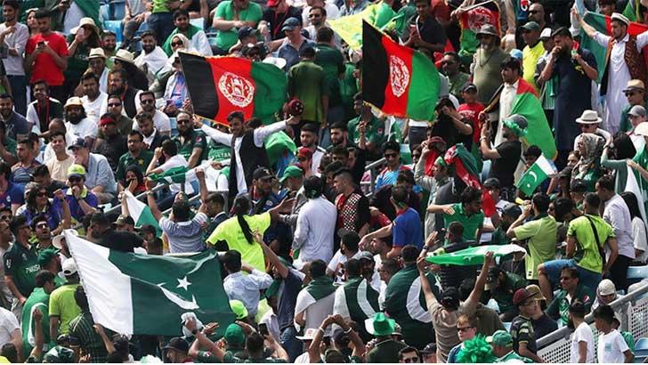 বিশ্বকাপের ম্যাচে স্টেডিয়ামে পাকিস্তান ও আফগান সমর্থকদের সংঘর্ষ