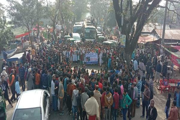 ইভটিজিংয়ের প্রতিবাদে সুনামগঞ্জ-সিলেট সড়ক অবরোধ