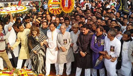 শহিদ মিনারে বিএনপির শ্রদ্ধা, একদলীয় রাষ্ট্রব্যবস্থা তৈরির অপকৌশল চলছে : মির্জা ফখরুল