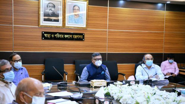 দোকান-মার্কেট খুললে করোনা সংক্রমণ বাড়বে : স্বাস্থ্যমন্ত্রী