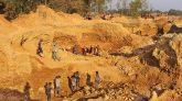 শাহ আরেফিন টিলা থেকে ২৫১ কোটি  টাকার পাথর লুট, দুদকের মামলা